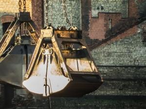 stockvault-coal-crane-bucket152357