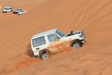 stockvault-car-in-the-desert132878