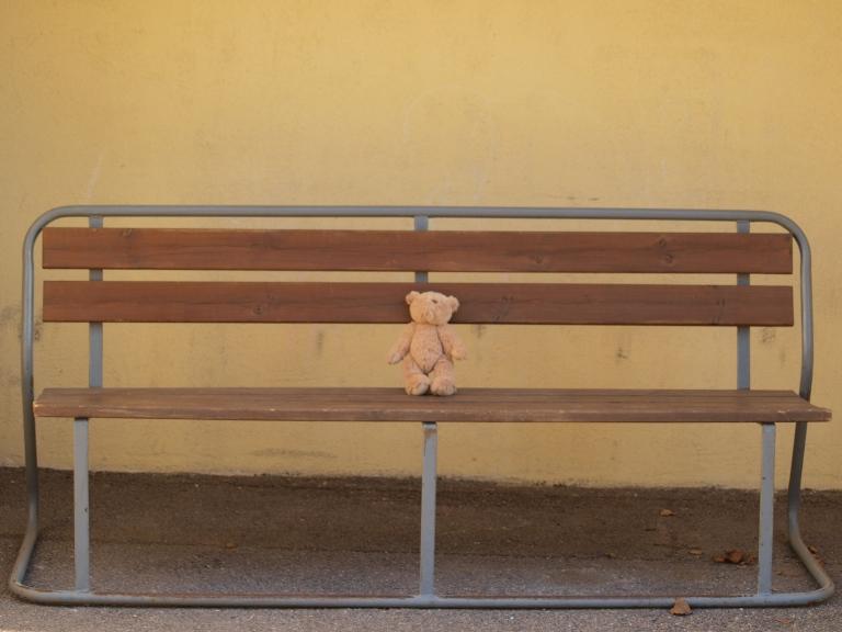 stockvault-teddy-bear-sitting193485