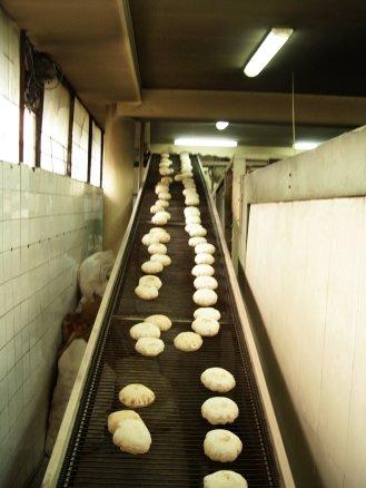 stockvault-machines-bread-39100509
