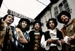 stockvault-theater-men-in-costume130912