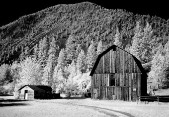 stockvault-old-wooden-barn219312