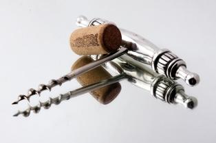 stockvault-cork-screwer109096