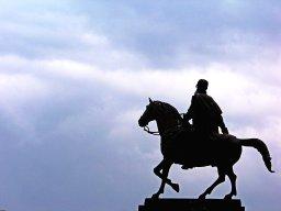 stockvault-horseman-statue117479