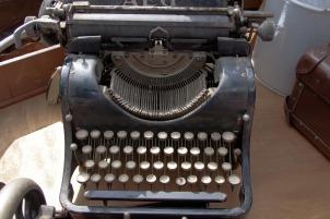 stockvault-old-typewriter222076