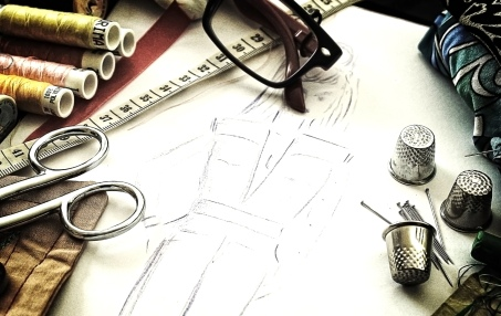 Fashion design - The working tools of a couturière - Grunge noi