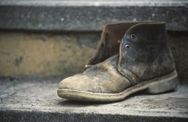 stockvault-old-shoe220068