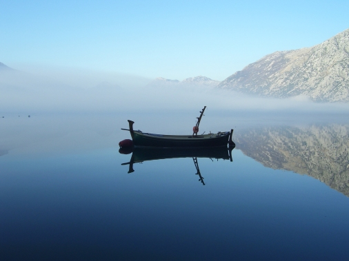 stockvault-boat-in-the-morning124785