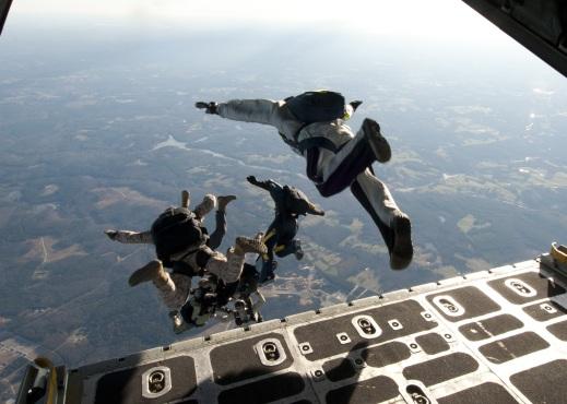 stockvault-parachute-training202006
